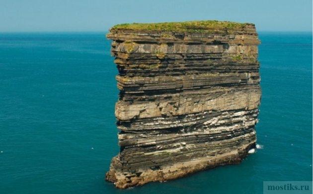 Скала Dan Bristy высотой в 50 метров